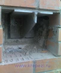 Опорный столик при ремонте фасада